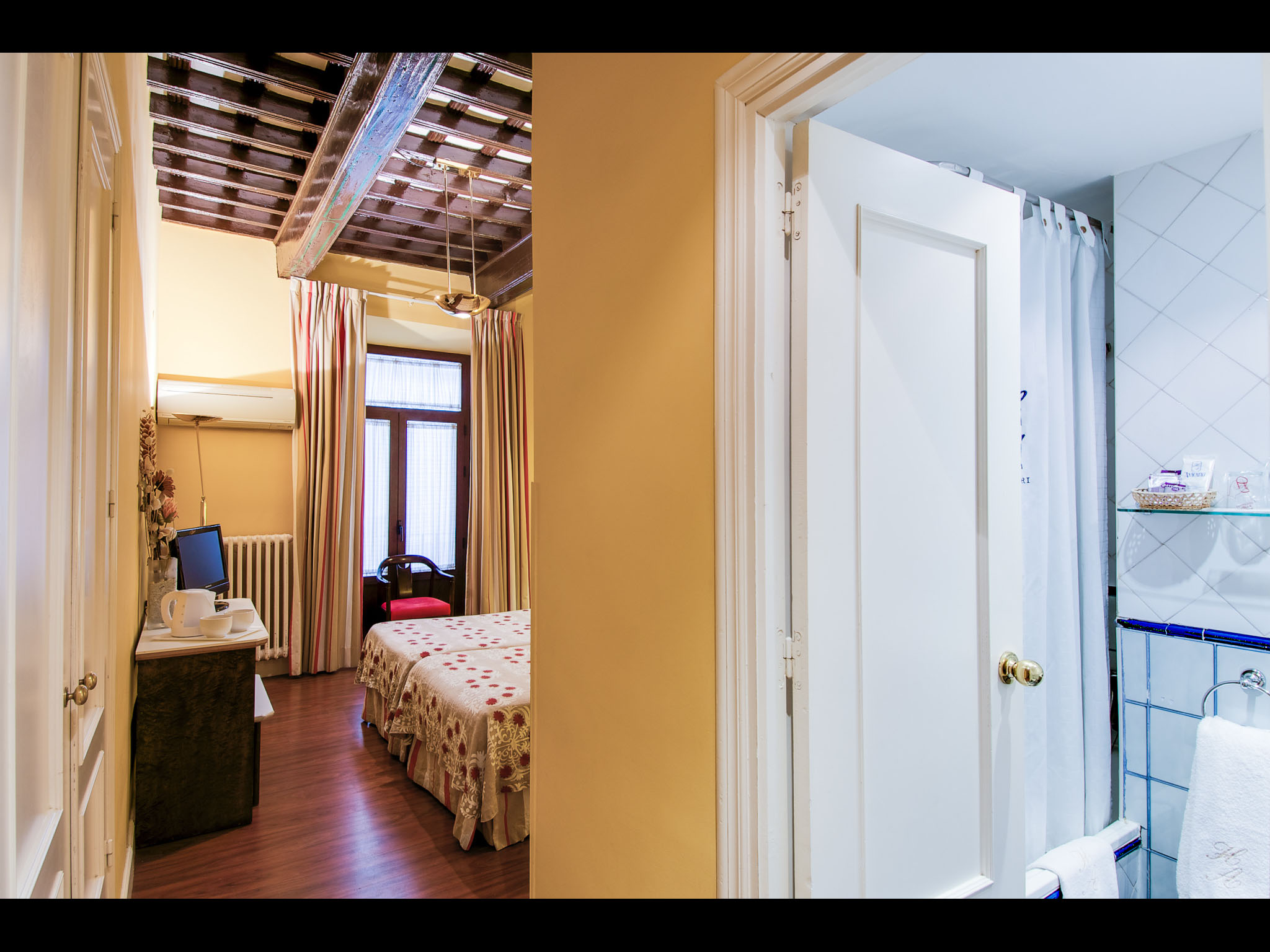 Room with coffered